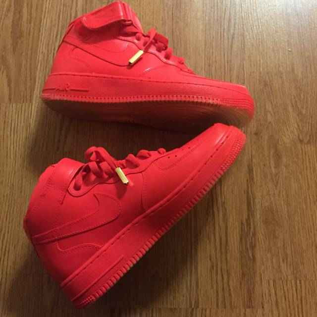 new concept 85e74 725c5 Custom red Nike Air force 1 Mid Top Trainers