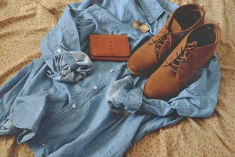 jacket clothes shoes boots ! denim shoes want cute boots tan high heels tie up shoes tan shoes shorts denim shirt earrings hipster grunge hippie classy pretty tumblr coat jeans denim jacket cardigan blue shirt shirt blue brown vintage booties suede