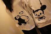 sweater,jacket,couple jackets,minnie and mickey,beautiful,perú,love ti,black and red,black. white. micky mouse. relationship sweater.