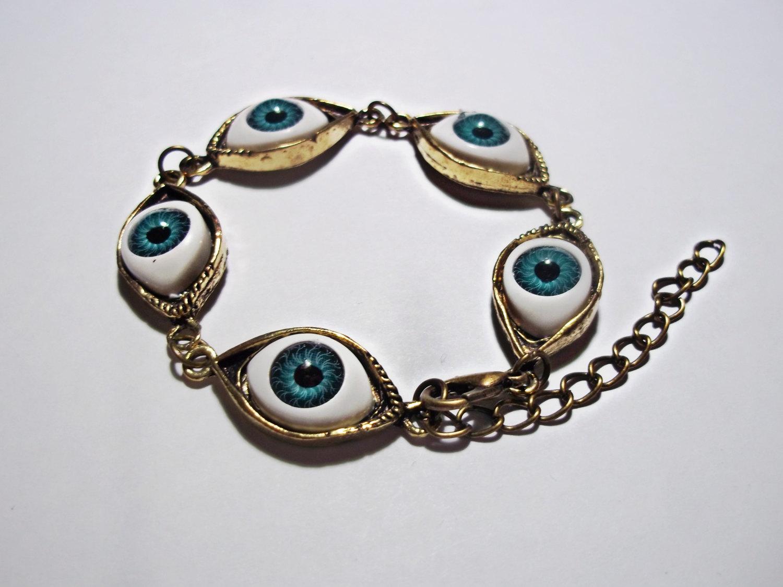 Eyeball bracelet // creepy oddities bracelet