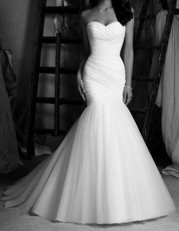 dress wedding dress prom dress dress mermaid wedding dress mermaid prom dress white dress long dress clothes wedding dress white beautiful perfect wedding strapless wedding dresses white wedding dress bride gown fit and flare dress mermaid mermaid wedding dress