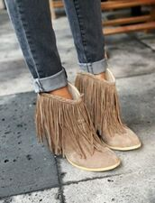 shoes,clothes,shoes booties brown heels,fringes,fringe shoes,boots,ankle boots,tan fringe booties,booties,nude fringe boots,brown booties,fall outfits,fall shoes,nude,fringe tan boots,fringe ankle boots,fringe ankle boot,nude suede fring bootiess,moccasin boots,i found these on pintrestt,tan fringe boots,heel,heel boots,tan suede booties