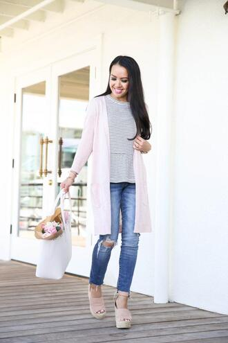 stylish petite blogger jeans top cardigan shoes bag jewels tote bag spring outfits wedges