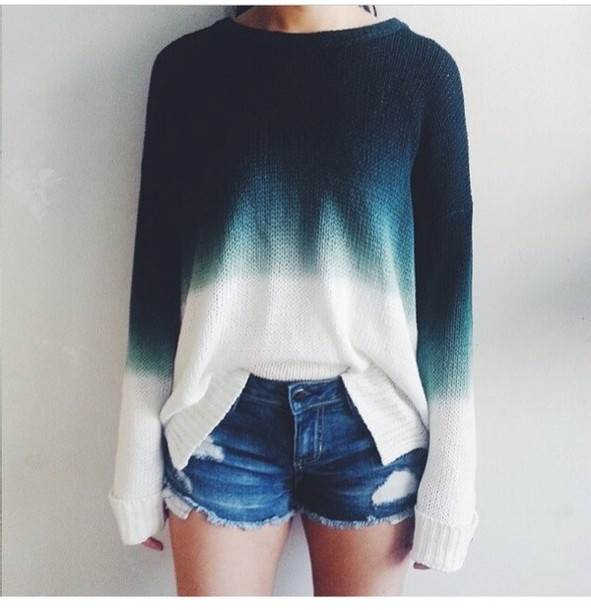 sweater pullover crewneck sweater crewneck ombre ombre shirt gradient blue sweater blue and white shirt blue ombré sweater