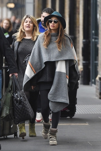 coat scarf fall outfits nicole scherzinger streetstyle shoes wedge sneakers