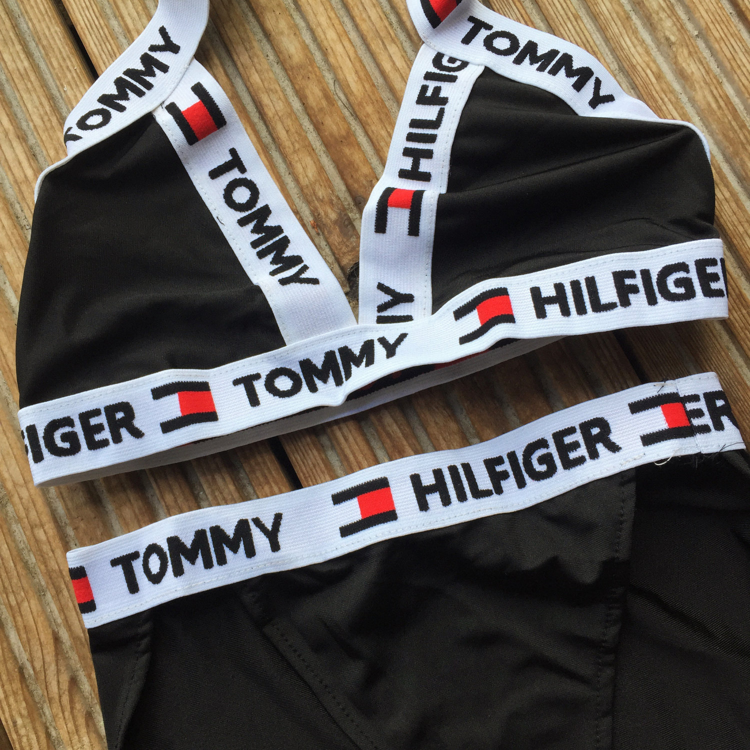 reworked tommy hilfiger cross over logo bikini set in black small and medium 6 8 10. Black Bedroom Furniture Sets. Home Design Ideas