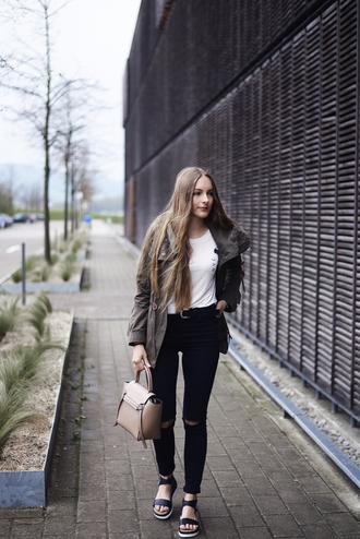 by annna blogger coat shirt jeans belt bag shoes