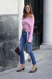 jeans,denim,top,stripes,shoes,pumps,black shoes