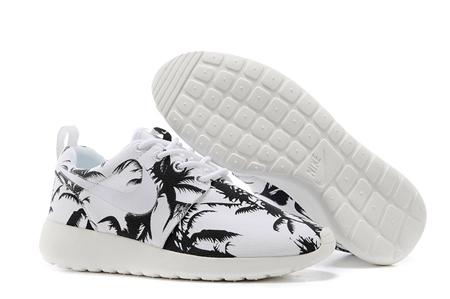Womens nike roshe run print palm trees black white white shoes