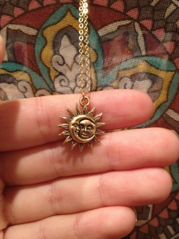 jewels gold sun moon necklace gold necklace shirt moon and sun sun and moon necklace moon and sun gold chain chain indie tumblr sun moon cute summer boho sun and moon meet rustic silver colar bohemian hipster coachella neck less necklace grunge hippie dark goth fashion style assessories