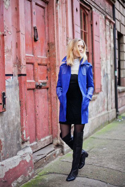 framboise fashion blogger dress blue coat knee high boots