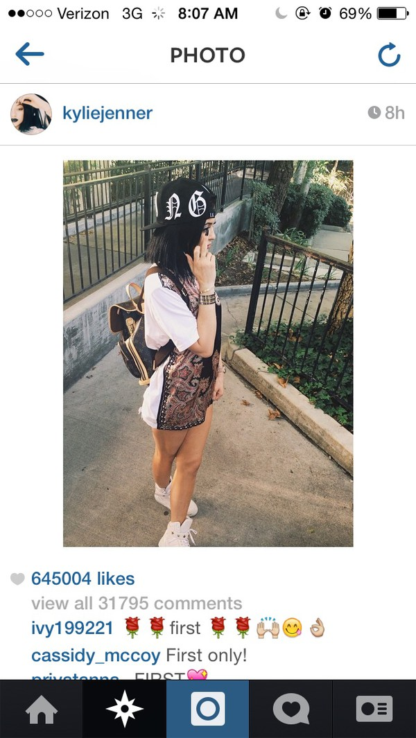 t-shirt kylie jenner shoes hair accessory dress t-shirt dress