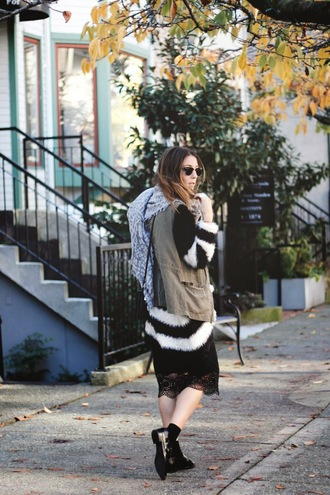 to bruck ave blogger striped sweater oversized sweater