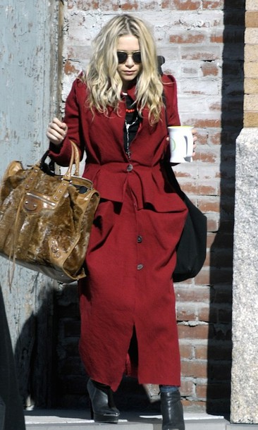 olsen sisters blogger long coat red coat maxi bag leather bag coat bag shoes