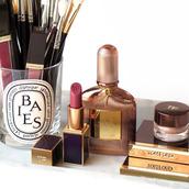 make-up,tumblr,tom ford,lipstick,pink lipstick,perfume,beauty organizer