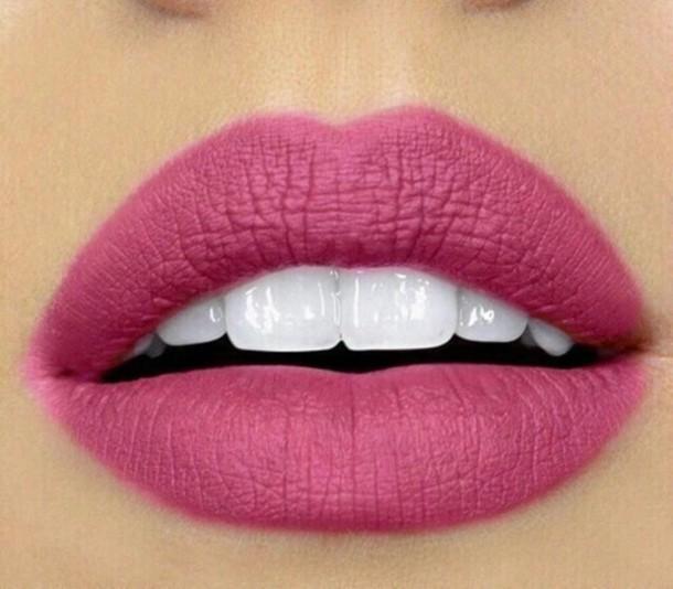 make-up gloves lips