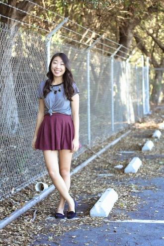 joyful outfits blogger skater skirt mini skirt grey t-shirt