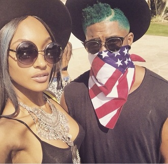 sunglasses jourdan dunn blue hair coachella model black sunglasses model off-duty