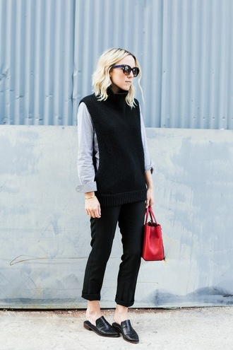 damsel in dior blogger red bag turtleneck cropped pants sleeveless