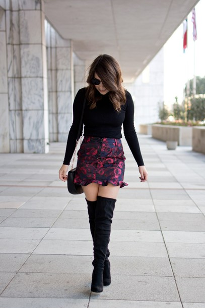 champagne&citylights blogger skirt sweater shoes bag boots over the knee boots mini skirt fall outfits