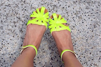 shoes flat sandals sandals neon yellow flats green lime retro yellow neon pretty cute beach shoes