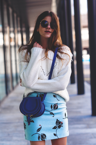 the fashion fraction blogger floral skirt knitted sweater blue bag round sunglasses blue skirt spring outfits