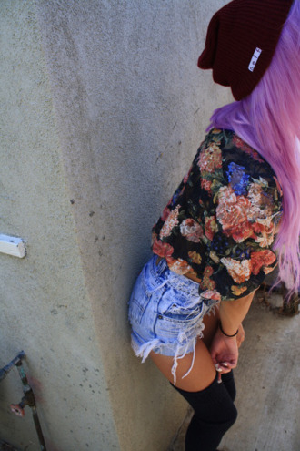 blouse floral black hipster flowers shorts underwear denim frayed socks shirt vintage burgundy blonde hair tumblr jacket ripped love high over the knee sweater floral top denim shorts flower shirt jeans