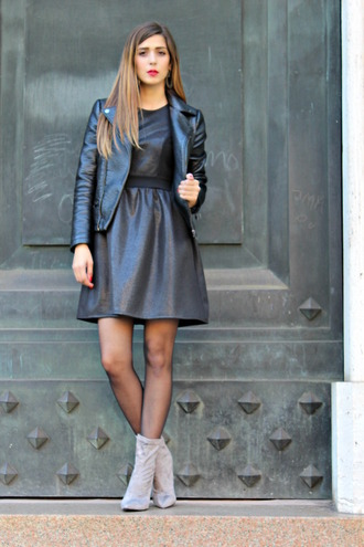 cosamimetto blogger dress jacket shoes jewels black leather jacket ankle boots boots mini dress