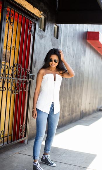 walk in wonderland jeans shoes jewels top bag blogger