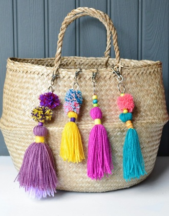 bag pom poms pompom bag pompom basket bag basket bag basket tote beach bag straw bag bag charm keychain pom pom keychain