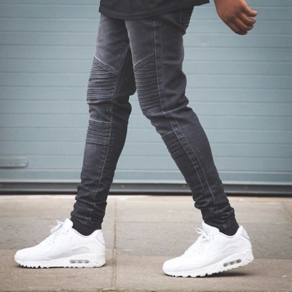 Shoes with Skinny Jeans for Men. There are many kinds of shoes that highlight the class and brand of the jeans that you happen to sashimicraft.ga some of the shoes appear extensively smart and swaggy in combination with the overall outfit.