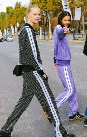 pants sweatshirt sweatpants streetstyle model off-duty paris fashion week 2017
