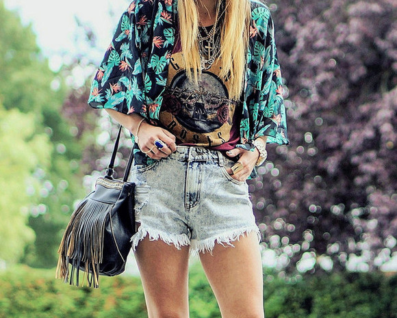 kimono t-shirt floral boho hippie shoes blogger bag denim shorts laughin in the purple rain fringed bag necklace hipster