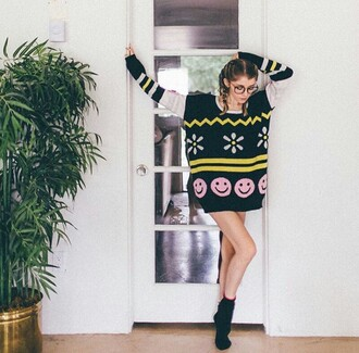 sweater oversized oversized sweater clothes fashion style fall outfits fall sweater comfy cozy cute girly pretty chevron flowers smiley smiles smileys tumblr tumblr girl on point clothing outfit beautiful urban