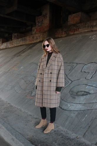 coat tumblr brown coat plaid plaid coat oversized coat oversized jeans black jeans boots ankle boots sunglasses cat eye
