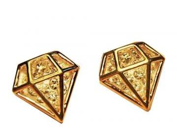 LOVE DIAMOND EARRINGS on Luulla