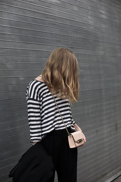 fashion squad shoes bag blogger jewels t-shirt