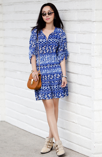 sunglasses fit fab fun mom blogger blue and white ankle boots buckle boots spring dress printed dress