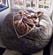 home accessory,bedding,bedroom,fluffy,comfy,home decor,chill,sleep,relax