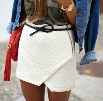 skirt white quilted skorts belted fashion belt bag jacket jewels t-shirt watch asymmetrical skirt white skirt