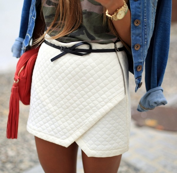 skirt white quilted skorts belted fashion belt bag jacket jewels t-shirt watch quilted asymmetrical skirt white skirt