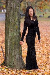 dress,black,long sleeves