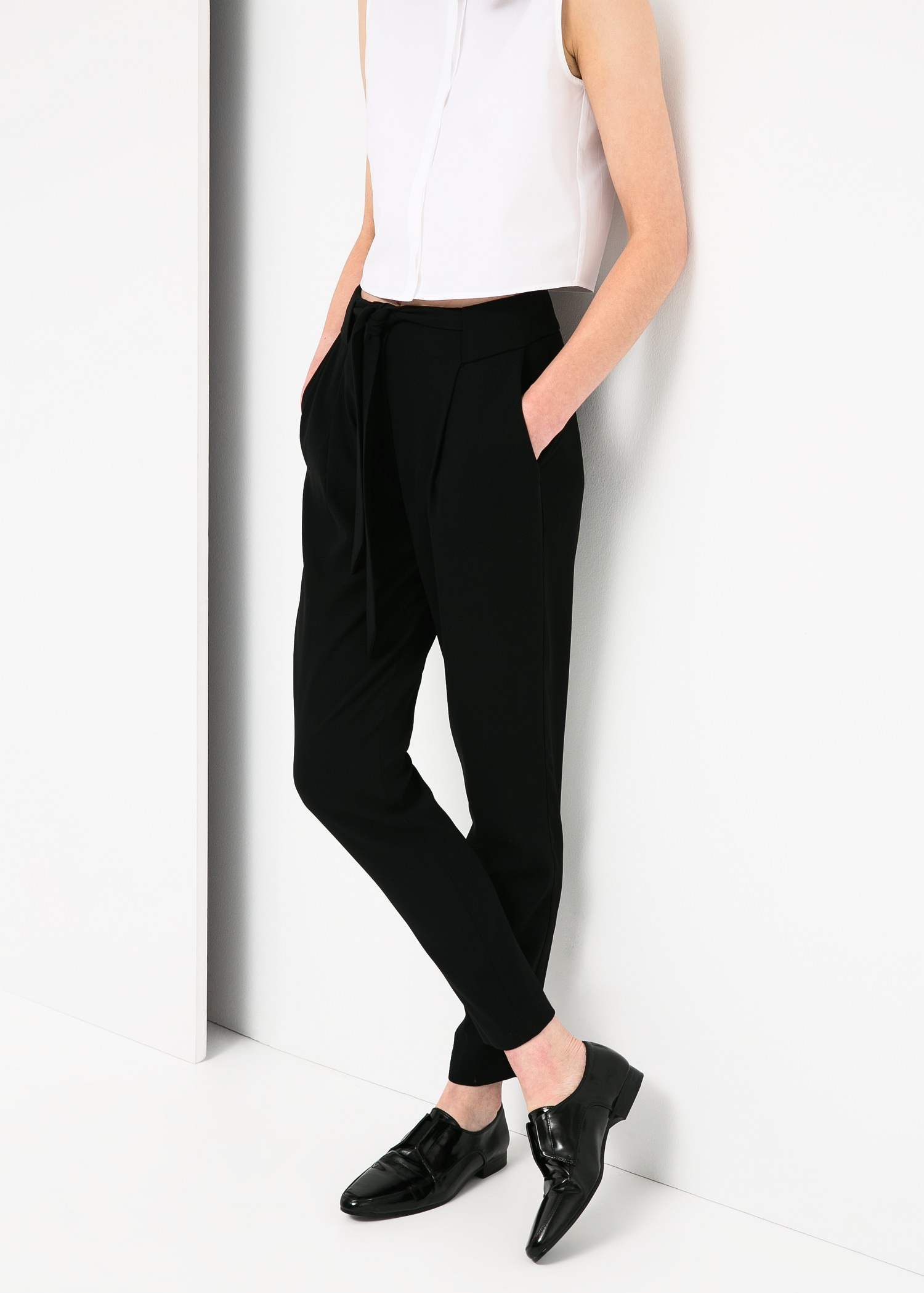 Bow crepe trousers - Trousers for Women | MANGO