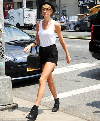 shorts shoes top taylor swift hat