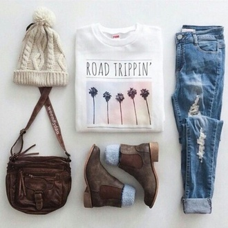 shirt country bag outfit tumblr outfit weheartit grunge pale boho boho chic kawaii california road trippin t-shirt summer fall outfits winter outfits white t-shirt jeans ripped jeans blue jeans hat felt hat hat beanies bag country style boots winter boots