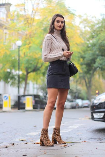 sweater tumblr nude sweater knit knitwear knitted sweater skirt mini skirt black skirt denim denim skirt boots ankle boots