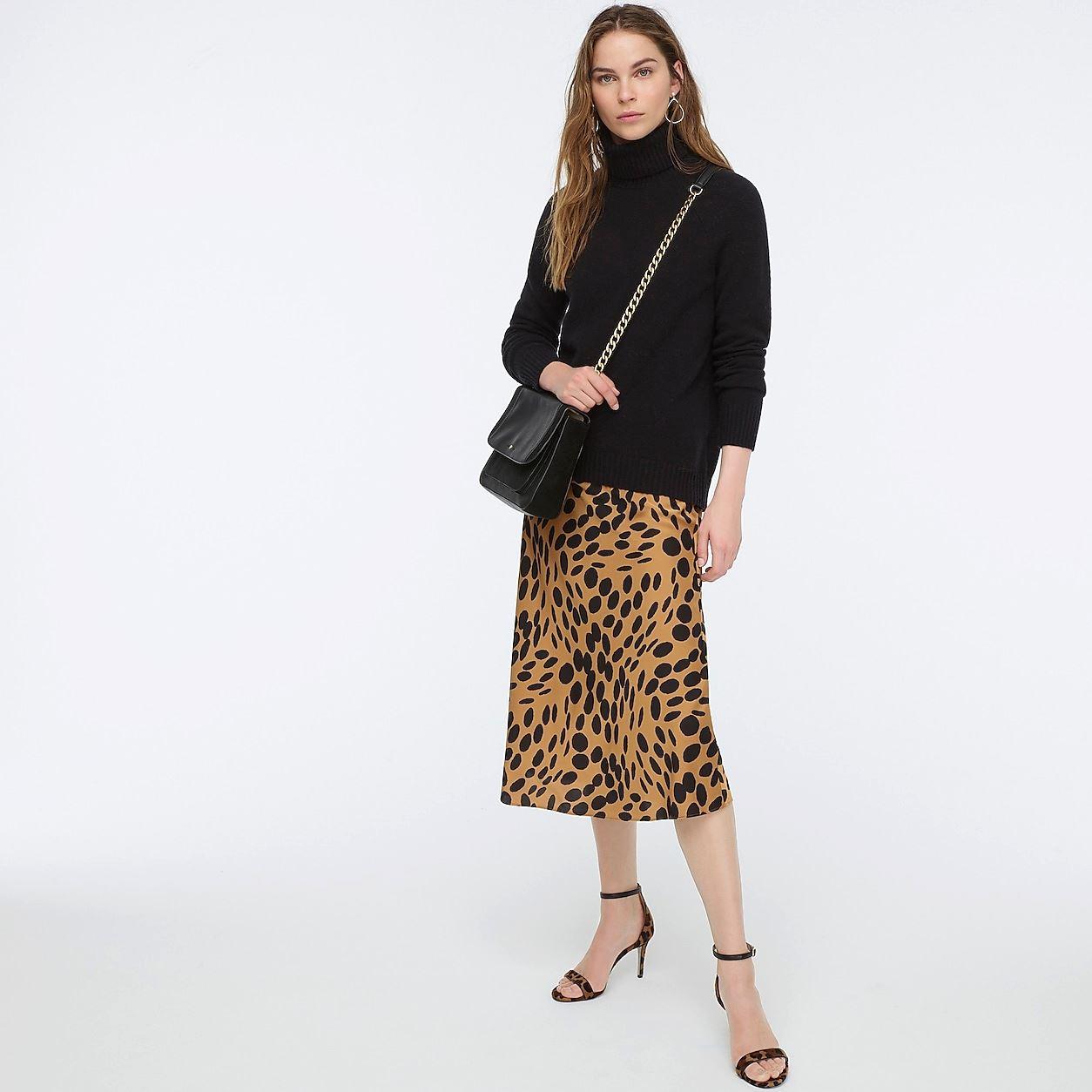 Pull-On Slip Skirt In Wavy Dots