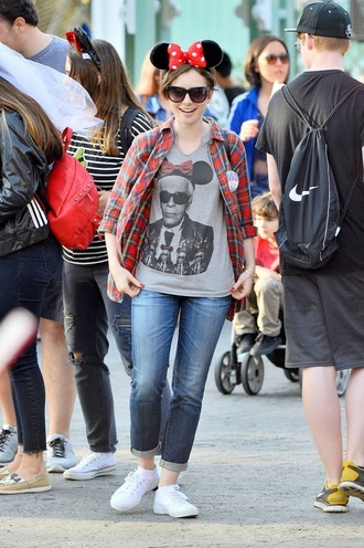 sneakers lily collins shirt