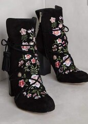 shoes,embroidered,ankle boots,black boots