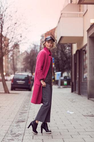 zanita blogger winter coat fisherman cap winter outfits